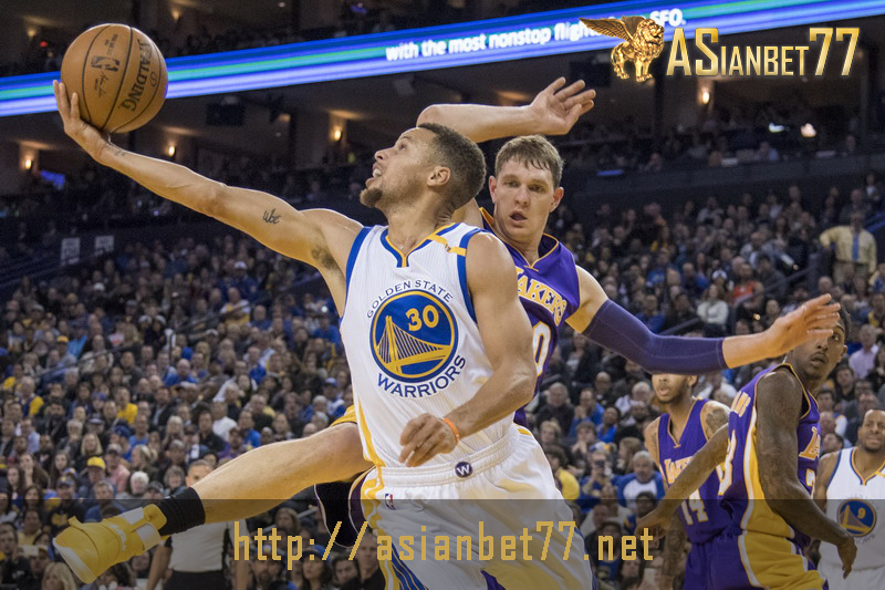 NBA: Golden State Warriors Tampil Memukau Saat Menjamu Los Angeles Lakers