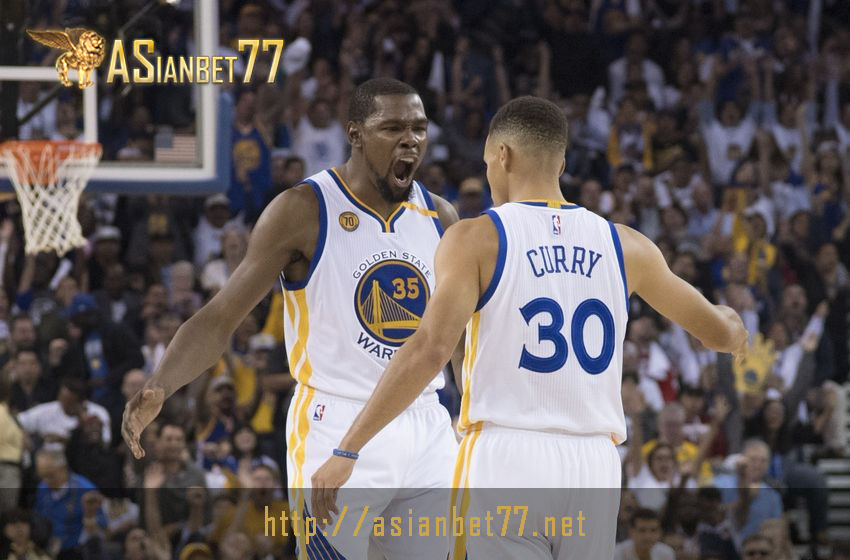 kevin-durant-stephen-curry-nba-atlanta-hawks-golden-state-warriors-tampil-gemilang