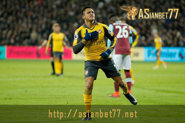 Alexis Sanchez Hattrick, Arsenal Hajar West Ham