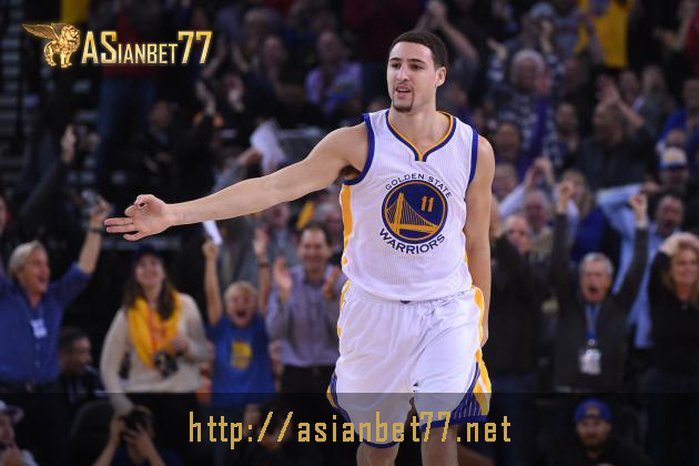 NBA: Klay Thompson Tampil Ciamik, Warriors Gulung Pacers