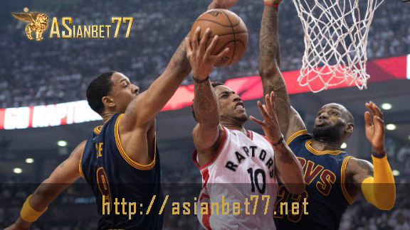 lebron-james-demar-derozan-nba-playoffs-cleveland-cavaliers-at-toronto-raptors-menang-tipis